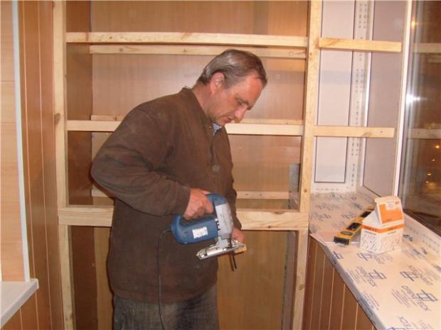 Как своими руками сделать шкаф на балконе