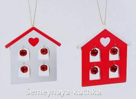 Новогодние игрушки из фетра: домики 1