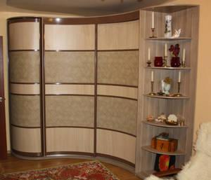 Радиусный вариант шкафов-купе: экономим пространство, бережем здоровье