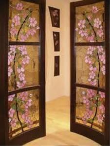 Двери межкомнатные со стеклом – уникальность дизайнерского ума