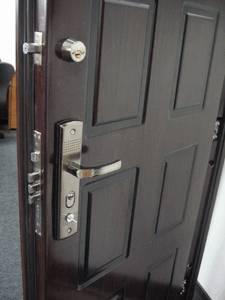 Двери разные нужны