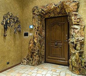 Как улучшить вид входной двери