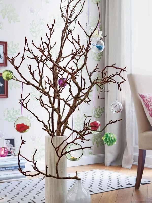 ветки деревьев на новый год фото обычно