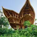 Купить дом на Рублевке в индонезийском стиле или построить?