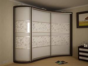 Стоит ли устанавливать шкаф-купе в спальню?
