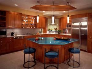 Как оформить большую кухню в виде небольшого островка?